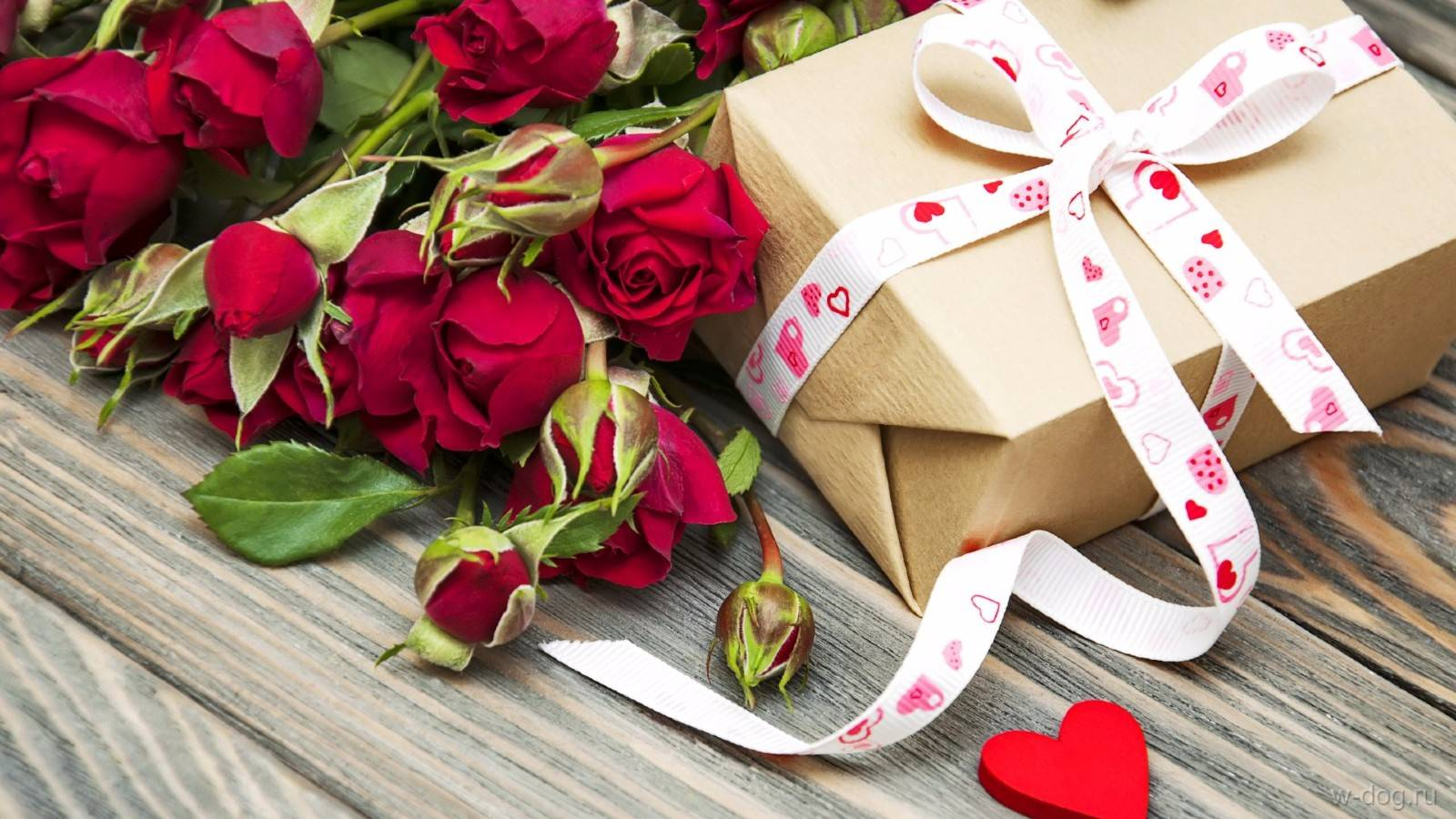 present and rose